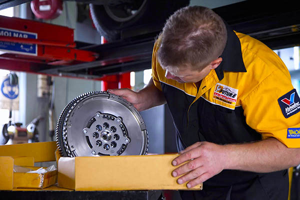 misc-inspect-clutch-IMG_8370